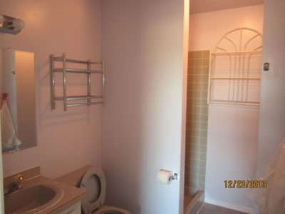 Picture of Jack & Jill bathroom.